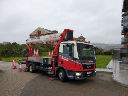 dragon access truck mounted cherry picker